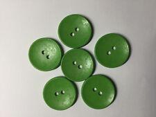 6 Botones de Madera Verde Brillante. 30 mm. dos agujeros. Ideal para coser, álbumes de recortes,