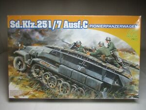 Dragon Armor Pro 1/72 German SdKfz 251/7 Ausf.C Pionierpanzerwagen (7265)