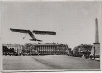 Fieseler Storch auf dem Place de la Concorde in Paris. Orig-Pressephoto von 1940