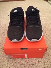Men's Nike Air Zoom Vomero 11 Running Shoes Black and White Size 10 w/box - $140