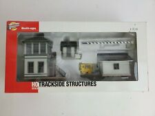 HO ScaleTrackside Structures Walthers Cornerstone Series Built-Ups #933-2810