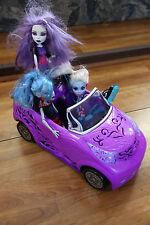 Monster High Scaris Car w/ 3 Dolls Ghoulia Yelps, Spectra Vondergeist Mattel