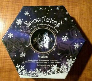 SNOWFLAKES : CREATE YOUR OWN BEAUTIFUL PAPER DESIGNS (BOOK & KIT) Mint Condition