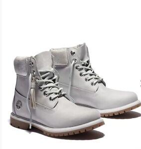 Timberland Men's 6-Inch Basic Waterproof Boots Light Grey Nubuck Size 8.5