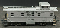 EARLY Athearn HO, Steel caboose , Milwaukee Road 01924. SILVER, RARE, VINTAGE