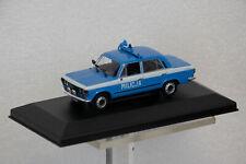 Fiat 125P Milicja Police in Vitrine Die-Cast Fertigmodell 1:43