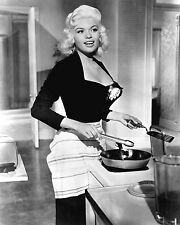 """JAYNE MANSFIELD IN """"THE GIRL CAN' T HELP IT"""" - 8X10 PUBLICITY PHOTO (DA-428)"""