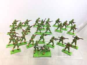 Lot 24 Britains Deetail WWII WW2 US Infantry Soldiers 75mm  Mortar Artillery