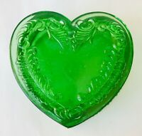 Degenhart Art Glass Emerald Green Covered Heart Trinket Box Feather Design 3.5""