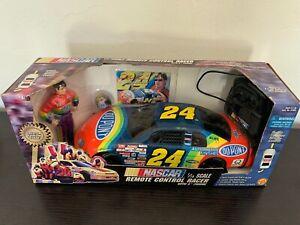 Toy Biz Jeff Gordon #24 Dupont Remote Control Racer 1:18 Scale with Figurine