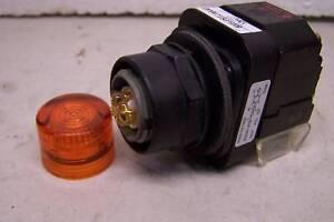 ALLEN BRADLEY 800H-PRTL16AAP ILLUMINATED PILOT LIGHT LED AMBER