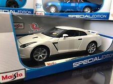 *SALE* Maisto 1:18 Scale Special Edition Diecast Model - 2009 Nissan GTR (White)