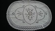 Decke oder Läufer mit schöner Lochstickerei Handarbeit