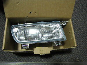 NEW OE SAAB 9-5 Right Passenger Foglight Assembly 5284534  Fits 2002 to 2005