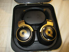 Akg N90 Enclosed Studio Monitor Headphones with case,power pack, cables
