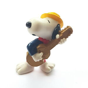 Figurine Schleich Snoopy Peanuts United Features Hong Kong Guitarist 2 3/8in