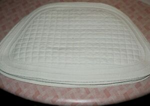 Lot 6 PLACEMATS Wedge Shape for ROUND TABLE Cream Quilted Reversible