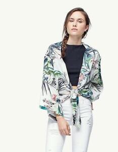 STRADIVARIUS Tropical Print Kimono Top