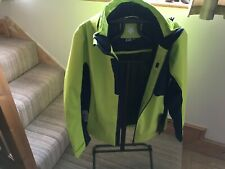 Descente Jacket size L bnwt Yellow