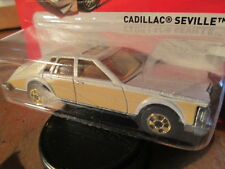 1 HOTWHEELS PEARL WHITE&CREAM 1980 CADILLAC SEVILLE SCALE 1:64 ON LONG CARD