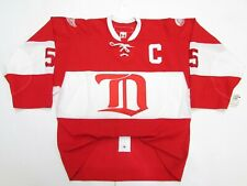 NICKLAS LIDSTROM DETROIT RED WINGS AUTHENTIC VINTAGE CCM 6100 RED HOCKEY JERSEY