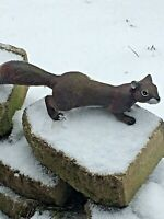 LIFE SIZE, SQUIRREL. MOUNT OR PLACE  ANYWHERE. GREAT DISPLAY!