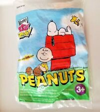Charlie Brown Wendy's Kids Meal Peanuts Toy 2006 NIP Classic Comics Collectable
