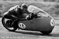 Foto cartolina b/n Dickie Dale su Moto Guzzi 350 cc.