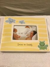"Hallmark Ceramic Photo Frame Fits 4X6 Picture, ""Smiles For Daddy�"
