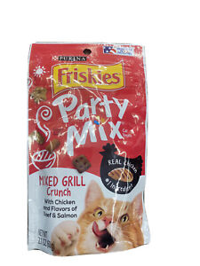 Purina Friskies Party Mix Cat Treats Mixed Grill Crunchy 4 - 2.1 Oz Pouches.
