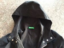 United Colors of Benetton Light Jacket with Hood. Material: 100% Cotton. Black