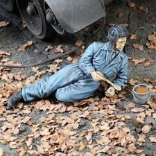 Royal Model 1/35 Soviet Russian Tanker in Coveralls Lying Down Eating Lunch 719