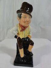 "Royal Doulton "" Sam Weller "" Figurine -- Absolutely Beautiful"