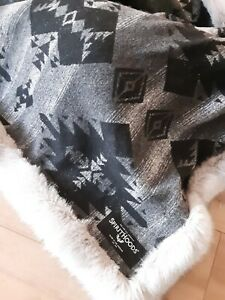 NWOT SpiritHoods (Weighted) Throw, Arctic Wolf Faux Fur,  weighs 9.5 lbs!