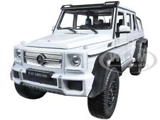 MERCEDES G 63 AMG 6X6 WHITE 1:24 DIECAST MODEL CAR BY WELLY 24061