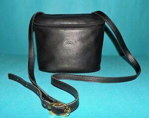 LONGCHAMP petit sac en cuir noir porté épaule ou travers