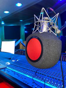 Iconic Mars Comet Microphone Portable Vocal Booth   eyeball alternative   Studio