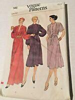 Vintage Vogue Misses Dress and Belt Sewing Pattern Size 10