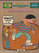 Des Experts en bévues Ernest, Bart, Macaron et tous leurs amis, 1 rue Sésame