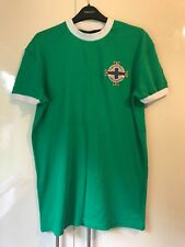 Irlande Du Nord Football Home Team Shirt 1967 vert et blanc taille S