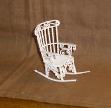 filigraner weisser Schaukelstuhl aus Metall - Miniatur 1:12 Puppenhaus 2. Wahl