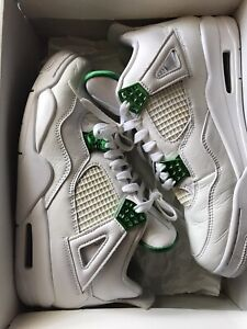 Jordan 4 Retro Metallic Green (Size 9)