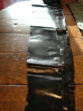 Peau de serpent karung noire 130 cm X 18 cm