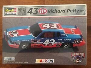 LAST ONE! 1984 Revell-Monogram #43 STP/Curb  Richard Petty Pontiac Legends