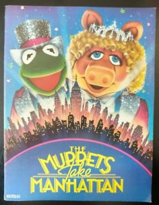 The MUPPETS Take Manhattan, Official Movie Program Souvenir (1984) ~ Good Condti