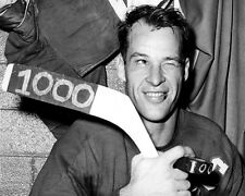 1960 Detroit Red Wings GORDIE HOWE Glossy 8x10 Photo Hockey Poster 1000th Point