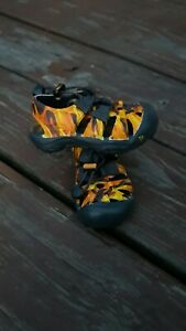 KEEN SANDALS Size 4 Infant Toddler Water Shoes Yellow