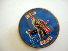 BADGE RARISSIME ANCIEN VINTAGE DAVID BOWIE MUSIC