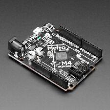 Adafruit metro M4 feat. microchip Atsamd5 120mhz Arduino & Circuitpython 3382