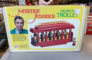 """Ideal Toy Corp 1977 Mr Rogers Neighborhood Toy Trolley 12"""" works! BOX complete"""